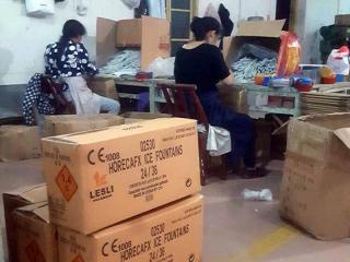 Productie van HorecaFX ijsfonteinen in China, geïmporteerd door Xena Vuurwerk
