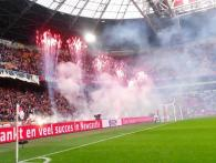 Xena Vuurwerk verzorgt voor veel voetbalclubs de georganiseerde tifo en sfeeracties met vuurwerk in stadions